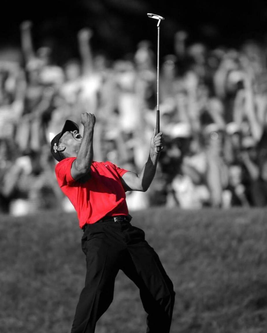 Sunday Red: Tiger Woods